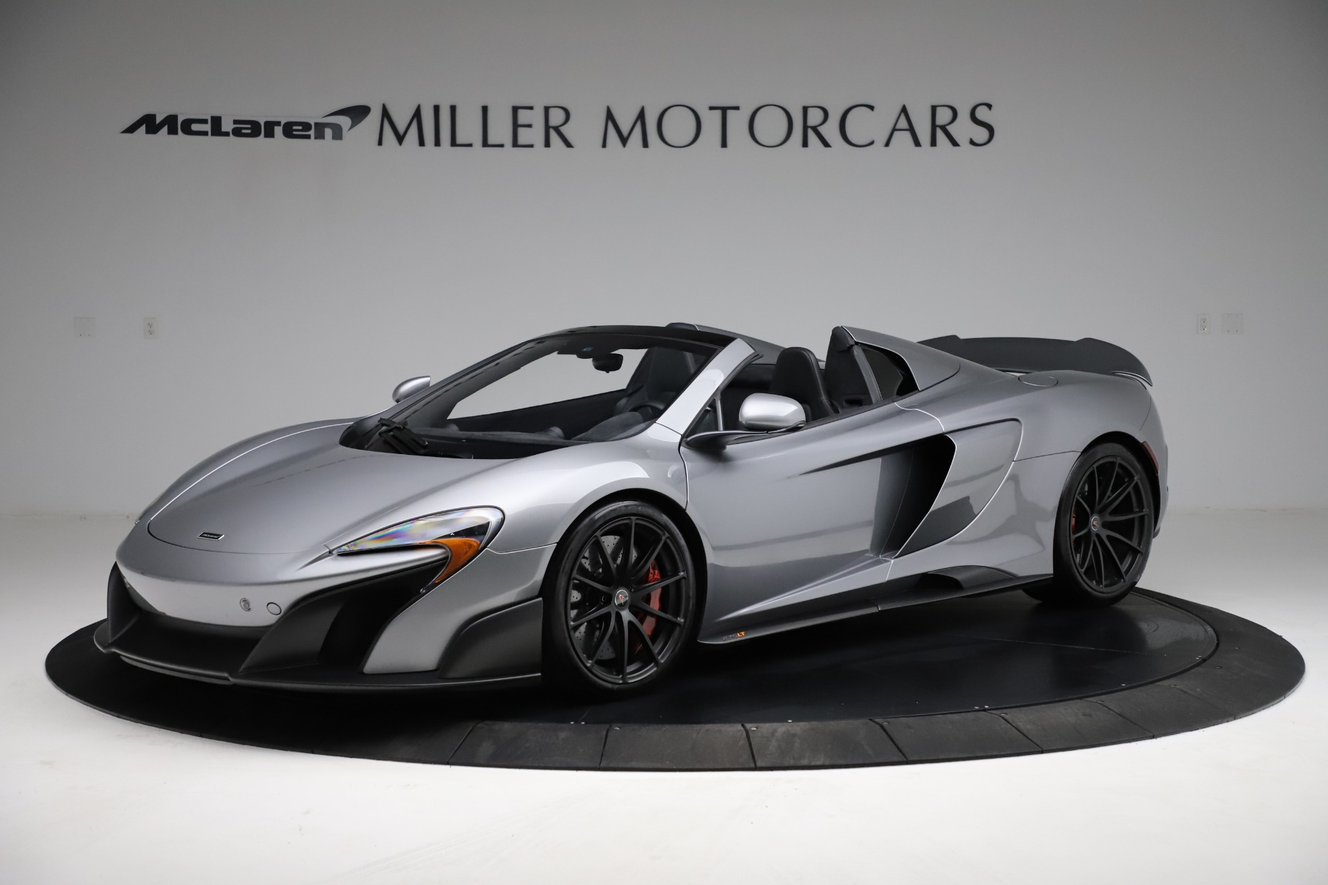 Used 2016 McLaren 675LT Spider for sale $275,900 at Aston Martin of Greenwich in Greenwich CT 06830 1