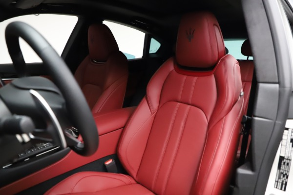 New 2021 Maserati Levante Q4 GranSport for sale Sold at Aston Martin of Greenwich in Greenwich CT 06830 16