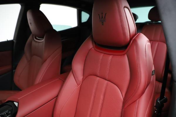 New 2021 Maserati Levante Q4 GranSport for sale Sold at Aston Martin of Greenwich in Greenwich CT 06830 17