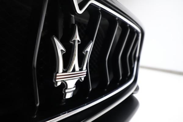 Used 2018 Maserati GranTurismo Sport for sale $89,900 at Aston Martin of Greenwich in Greenwich CT 06830 23