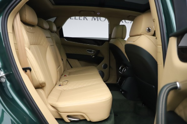 Used 2018 Bentley Bentayga W12 Signature for sale $159,900 at Aston Martin of Greenwich in Greenwich CT 06830 28