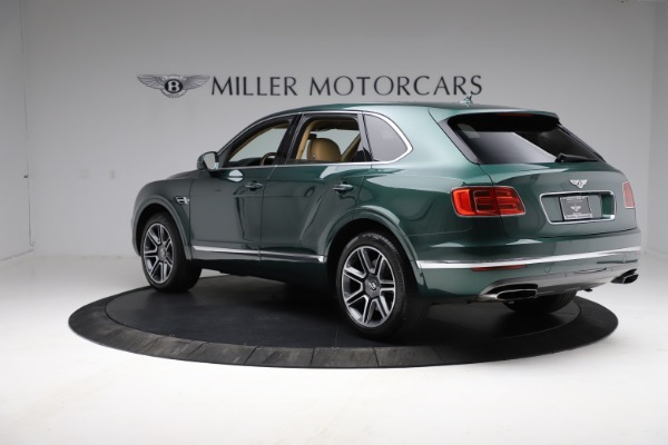 Used 2018 Bentley Bentayga W12 Signature for sale $159,900 at Aston Martin of Greenwich in Greenwich CT 06830 5