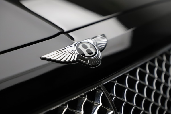 Used 2018 Bentley Bentayga W12 Signature for sale $153,900 at Aston Martin of Greenwich in Greenwich CT 06830 15