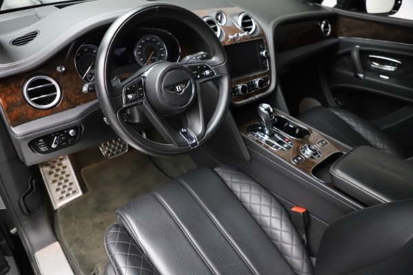 Used 2018 Bentley Bentayga W12 Signature for sale $153,900 at Aston Martin of Greenwich in Greenwich CT 06830 18