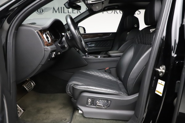 Used 2018 Bentley Bentayga W12 Signature for sale $153,900 at Aston Martin of Greenwich in Greenwich CT 06830 19
