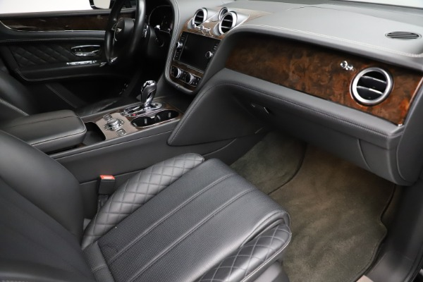Used 2018 Bentley Bentayga W12 Signature for sale $153,900 at Aston Martin of Greenwich in Greenwich CT 06830 25