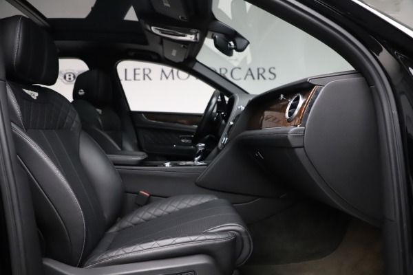 Used 2018 Bentley Bentayga W12 Signature for sale $153,900 at Aston Martin of Greenwich in Greenwich CT 06830 27