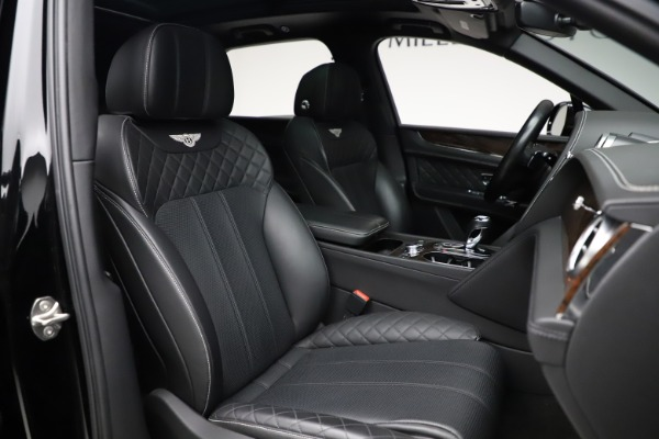 Used 2018 Bentley Bentayga W12 Signature for sale $153,900 at Aston Martin of Greenwich in Greenwich CT 06830 28