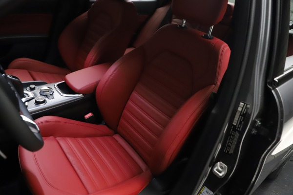 New 2021 Alfa Romeo Giulia Ti Sport for sale $54,050 at Aston Martin of Greenwich in Greenwich CT 06830 14
