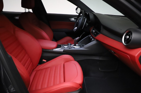 New 2021 Alfa Romeo Giulia Ti Sport for sale $54,050 at Aston Martin of Greenwich in Greenwich CT 06830 22