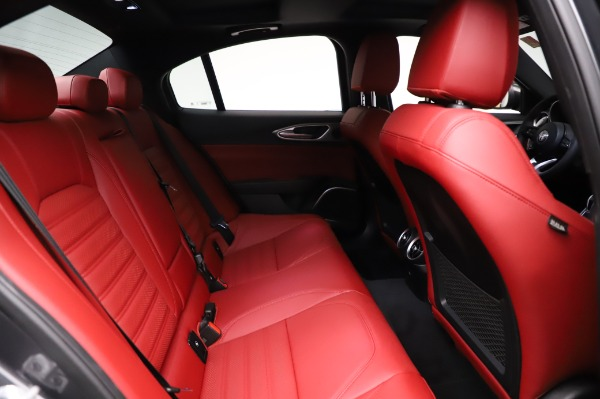 New 2021 Alfa Romeo Giulia Ti Sport for sale $54,050 at Aston Martin of Greenwich in Greenwich CT 06830 24