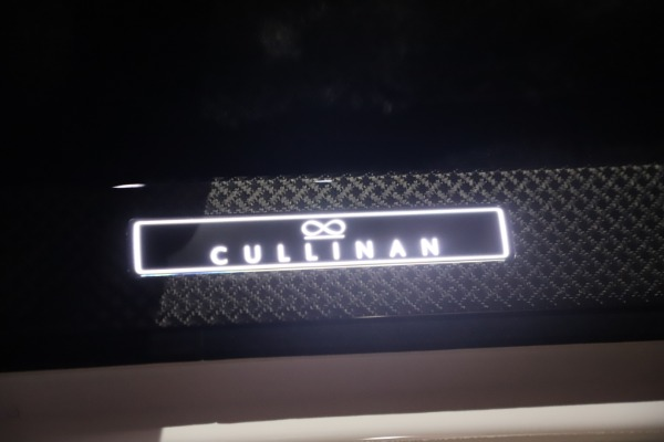 New 2021 Rolls-Royce Cullinan Black Badge for sale Sold at Aston Martin of Greenwich in Greenwich CT 06830 28