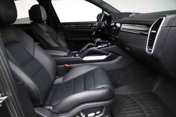 Used 2020 Porsche Cayenne Turbo for sale $145,900 at Aston Martin of Greenwich in Greenwich CT 06830 23