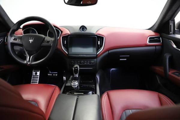 Used 2018 Maserati Ghibli SQ4 GranLusso for sale $55,900 at Aston Martin of Greenwich in Greenwich CT 06830 11