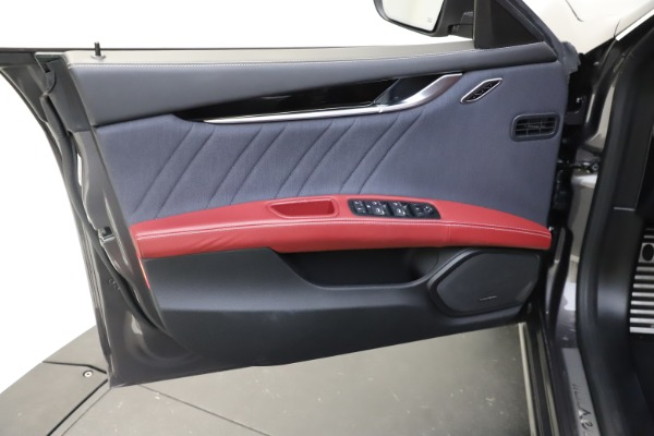 Used 2018 Maserati Ghibli SQ4 GranLusso for sale $55,900 at Aston Martin of Greenwich in Greenwich CT 06830 12