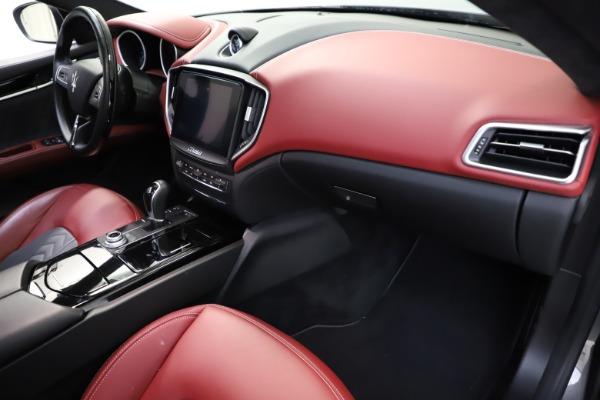 Used 2018 Maserati Ghibli SQ4 GranLusso for sale $55,900 at Aston Martin of Greenwich in Greenwich CT 06830 16