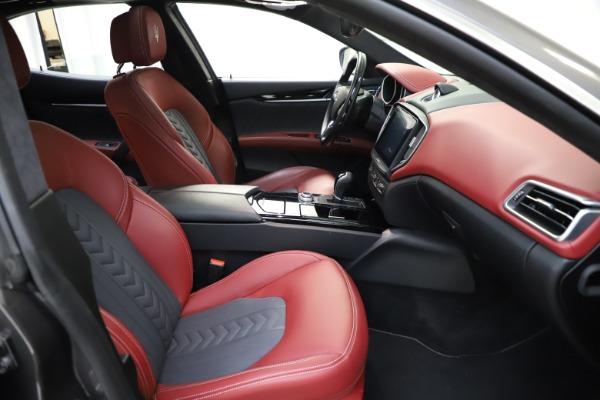 Used 2018 Maserati Ghibli SQ4 GranLusso for sale $55,900 at Aston Martin of Greenwich in Greenwich CT 06830 17