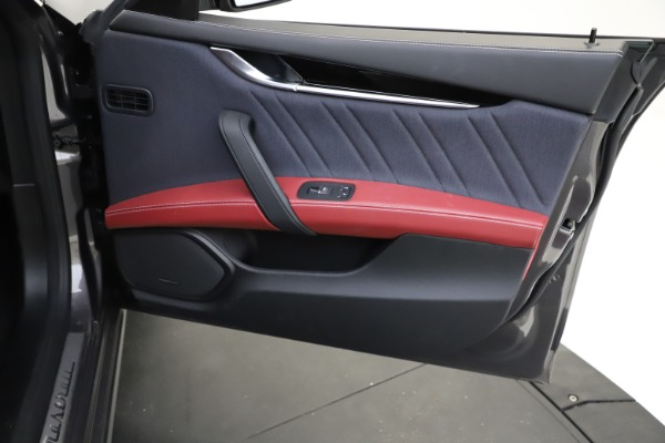 Used 2018 Maserati Ghibli SQ4 GranLusso for sale $55,900 at Aston Martin of Greenwich in Greenwich CT 06830 18