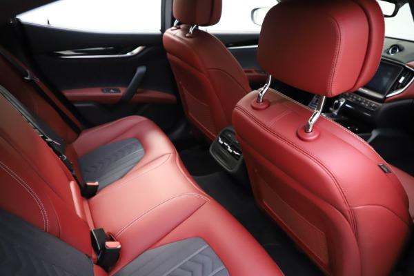 Used 2018 Maserati Ghibli SQ4 GranLusso for sale $55,900 at Aston Martin of Greenwich in Greenwich CT 06830 19