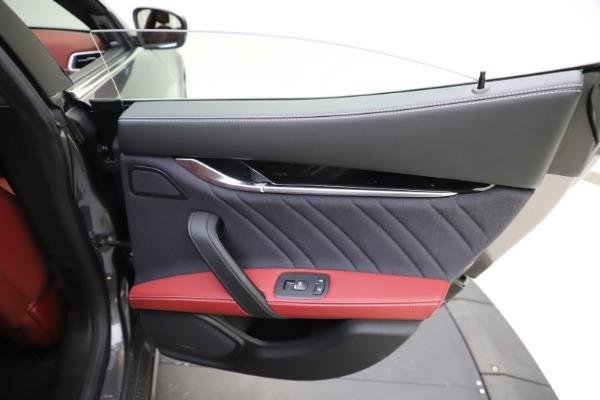 Used 2018 Maserati Ghibli SQ4 GranLusso for sale $55,900 at Aston Martin of Greenwich in Greenwich CT 06830 21