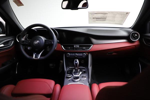 New 2021 Alfa Romeo Giulia Ti Sport for sale Sold at Aston Martin of Greenwich in Greenwich CT 06830 17