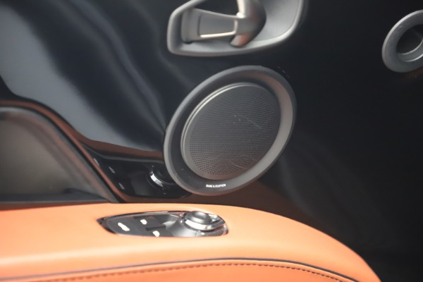 Used 2019 Aston Martin DBS Superleggera for sale $279,990 at Aston Martin of Greenwich in Greenwich CT 06830 17