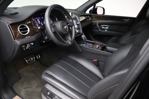 Used 2018 Bentley Bentayga Onyx Edition for sale $149,900 at Aston Martin of Greenwich in Greenwich CT 06830 17