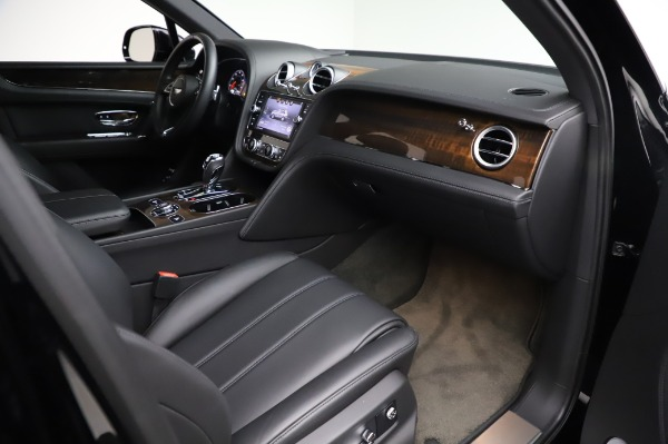 Used 2018 Bentley Bentayga Onyx Edition for sale $149,900 at Aston Martin of Greenwich in Greenwich CT 06830 25
