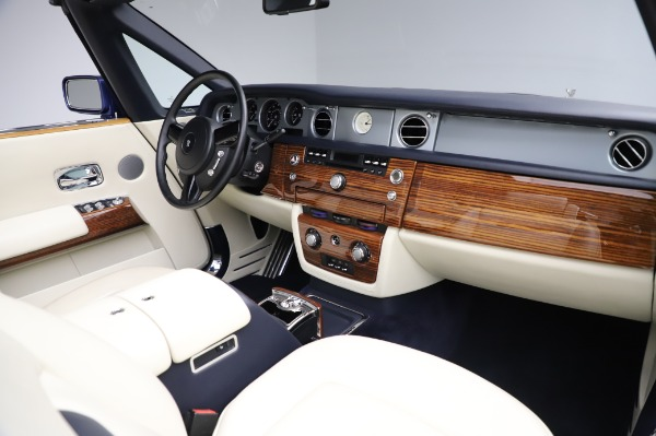 Used 2009 Rolls-Royce Phantom Drophead Coupe for sale $225,900 at Aston Martin of Greenwich in Greenwich CT 06830 24