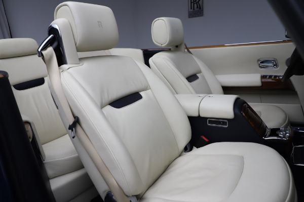 Used 2009 Rolls-Royce Phantom Drophead Coupe for sale $225,900 at Aston Martin of Greenwich in Greenwich CT 06830 26