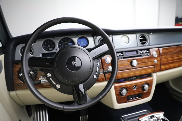 Used 2009 Rolls-Royce Phantom Drophead Coupe for sale $225,900 at Aston Martin of Greenwich in Greenwich CT 06830 27