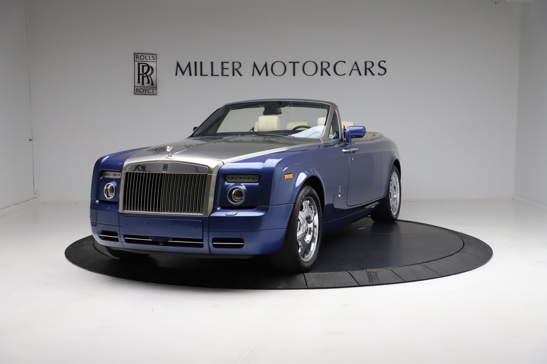 Used 2009 Rolls-Royce Phantom Drophead Coupe for sale $225,900 at Aston Martin of Greenwich in Greenwich CT 06830 1