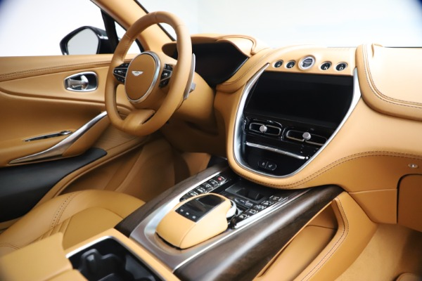 New 2021 Aston Martin DBX for sale $214,986 at Aston Martin of Greenwich in Greenwich CT 06830 18