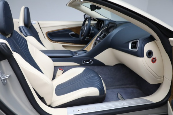 Used 2019 Aston Martin DB11 Volante for sale $209,900 at Aston Martin of Greenwich in Greenwich CT 06830 21