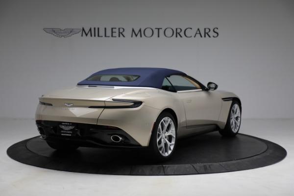 Used 2019 Aston Martin DB11 Volante for sale $209,900 at Aston Martin of Greenwich in Greenwich CT 06830 28