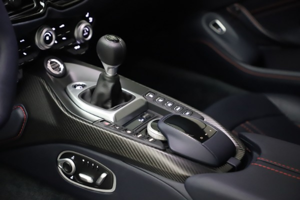 New 2021 Aston Martin Vantage for sale $189,686 at Aston Martin of Greenwich in Greenwich CT 06830 16