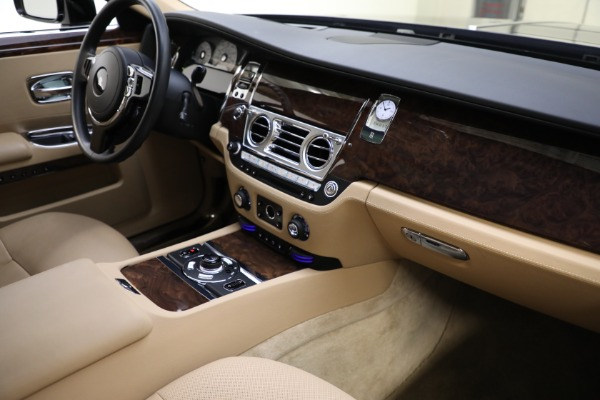 Used 2011 Rolls-Royce Ghost for sale Call for price at Aston Martin of Greenwich in Greenwich CT 06830 13