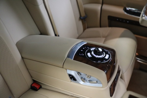 Used 2011 Rolls-Royce Ghost for sale Call for price at Aston Martin of Greenwich in Greenwich CT 06830 21