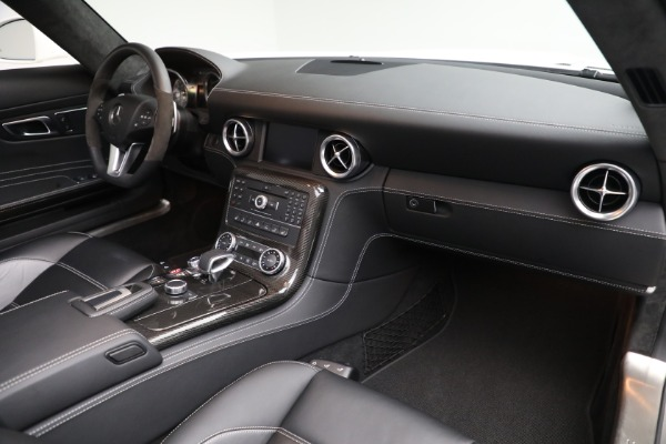 Used 2012 Mercedes-Benz SLS AMG for sale $159,900 at Aston Martin of Greenwich in Greenwich CT 06830 18