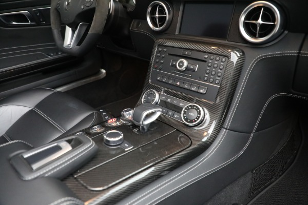 Used 2012 Mercedes-Benz SLS AMG for sale $159,900 at Aston Martin of Greenwich in Greenwich CT 06830 21