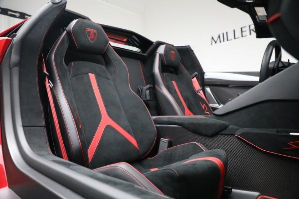 Used 2017 Lamborghini Aventador LP 750-4 SV for sale $599,900 at Aston Martin of Greenwich in Greenwich CT 06830 24