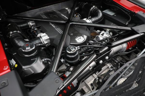 Used 2017 Lamborghini Aventador LP 750-4 SV for sale $599,900 at Aston Martin of Greenwich in Greenwich CT 06830 26