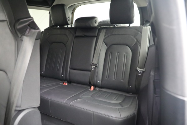 Used 2021 Land Rover Defender 90 First Edition for sale Sold at Aston Martin of Greenwich in Greenwich CT 06830 19