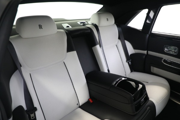 Used 2017 Rolls-Royce Ghost for sale $219,900 at Aston Martin of Greenwich in Greenwich CT 06830 16