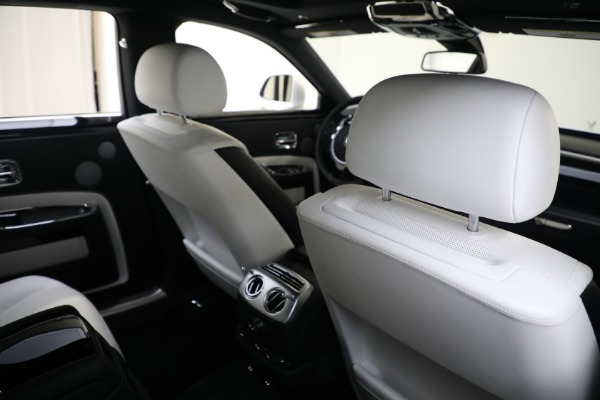 Used 2017 Rolls-Royce Ghost for sale $219,900 at Aston Martin of Greenwich in Greenwich CT 06830 18