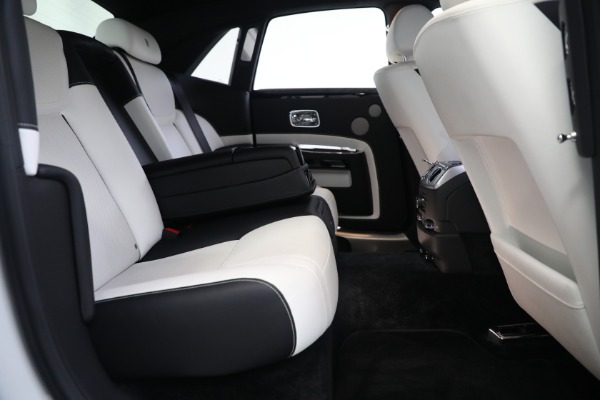 Used 2017 Rolls-Royce Ghost for sale $219,900 at Aston Martin of Greenwich in Greenwich CT 06830 24
