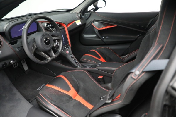 New 2021 McLaren 720S Spider for sale $374,120 at Aston Martin of Greenwich in Greenwich CT 06830 24