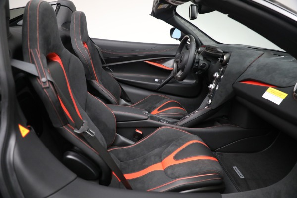 New 2021 McLaren 720S Spider for sale $374,120 at Aston Martin of Greenwich in Greenwich CT 06830 28