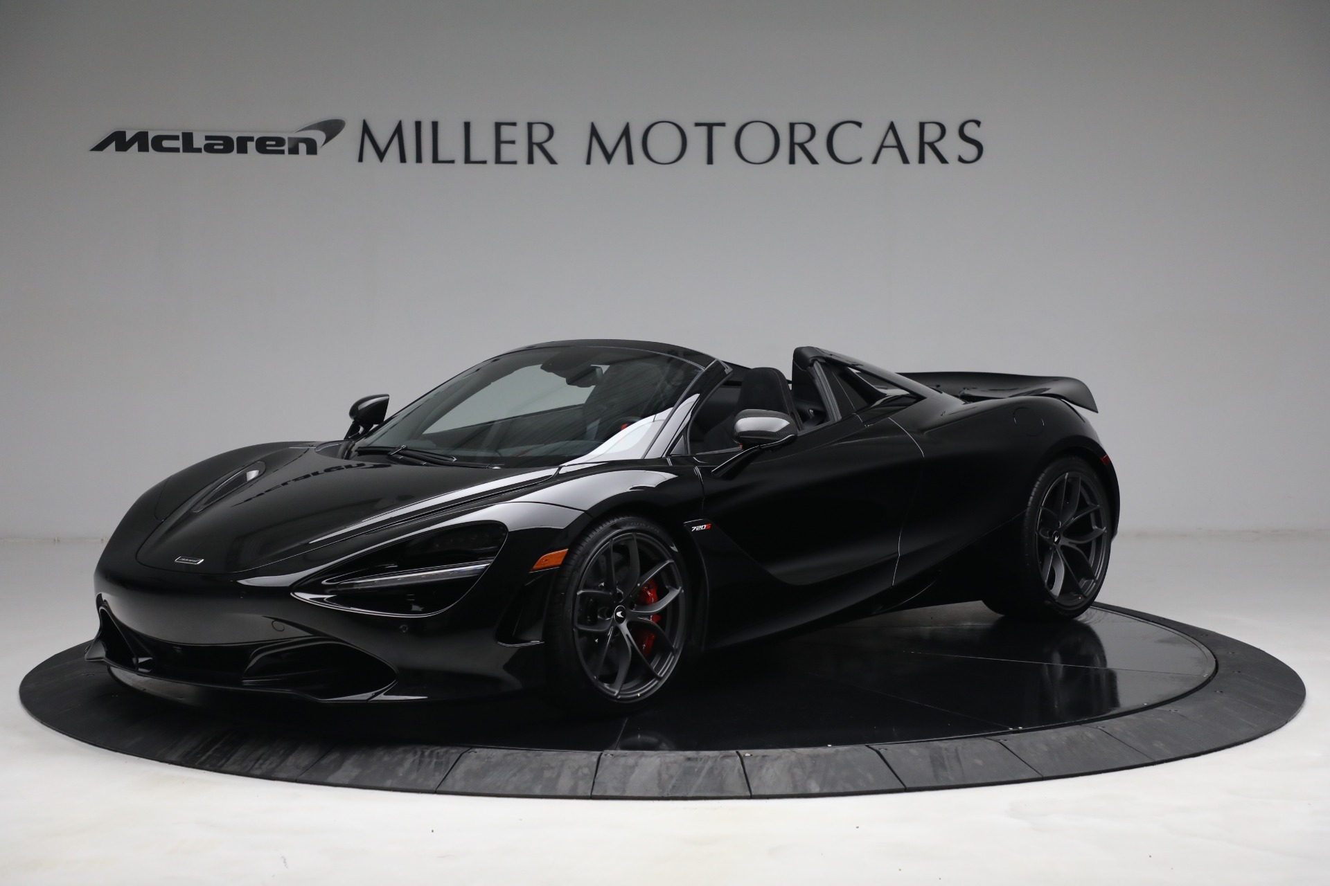 New 2021 McLaren 720S Spider for sale $374,120 at Aston Martin of Greenwich in Greenwich CT 06830 1
