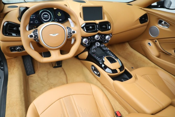 New 2021 Aston Martin Vantage Roadster for sale $174,586 at Aston Martin of Greenwich in Greenwich CT 06830 13